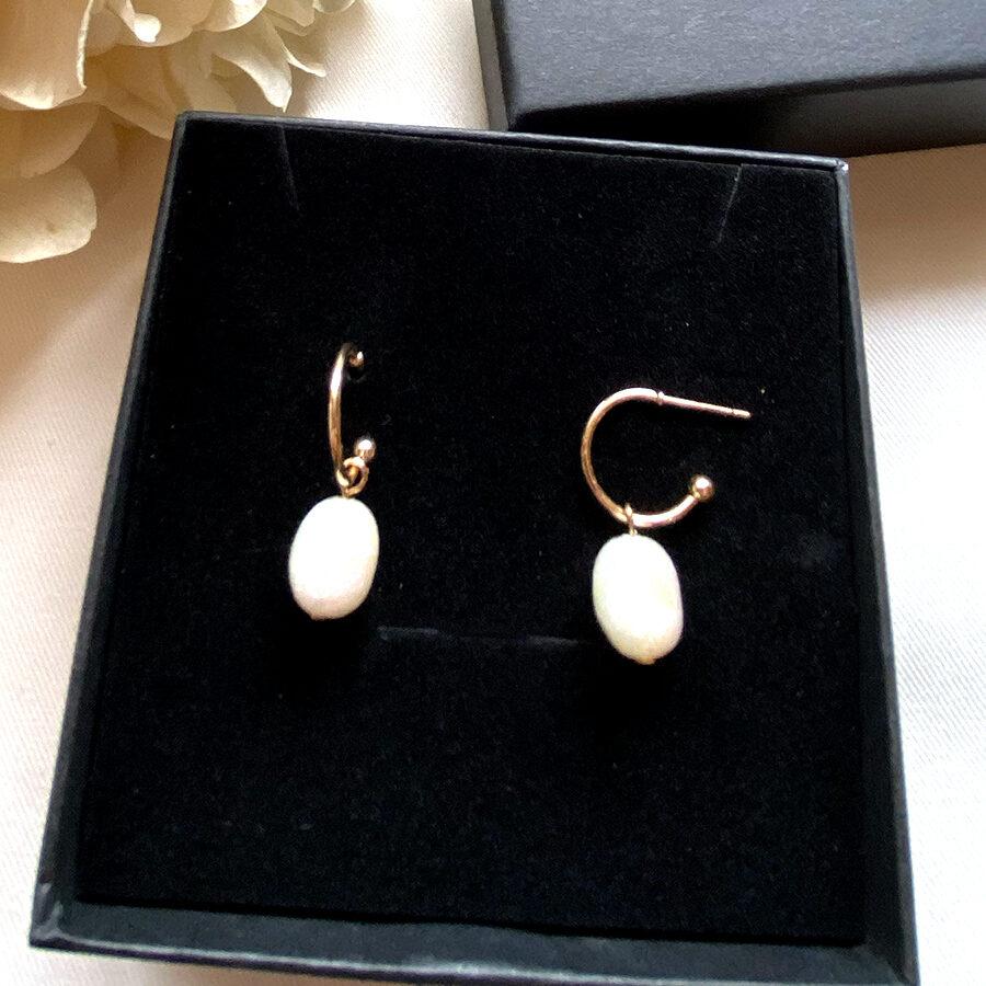 boucle d'oreille anneau et perle