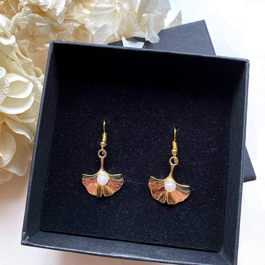 Boucles d'oreille dorées Ginlko