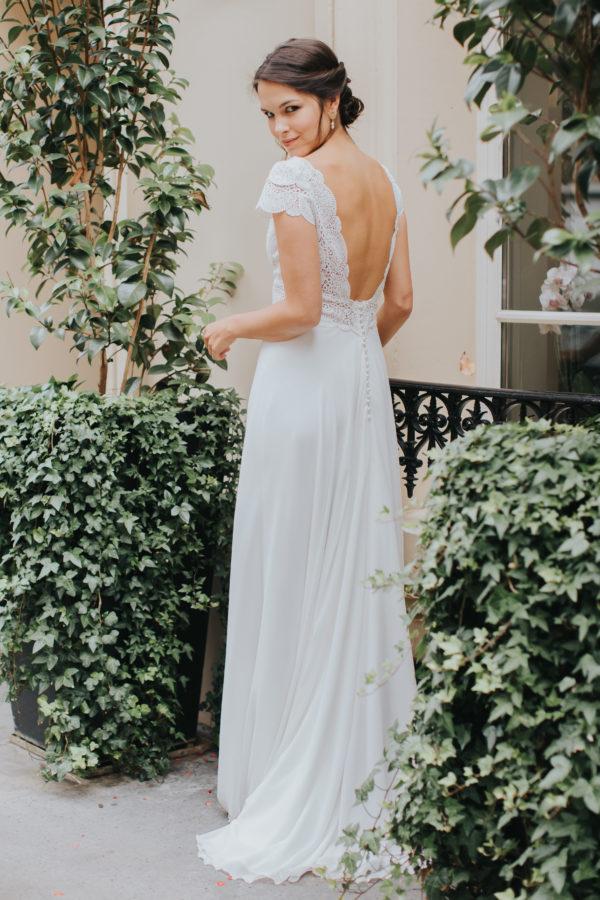 Elsa Gary 2020 - Modèle Malaga - Robe de mariée dont le jupon et en mousseline crêpe et le haut en guipure - Boutique Elle a dit Oui by Elsa Gary Caen
