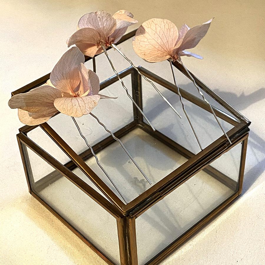 pic chignon hortensia rose